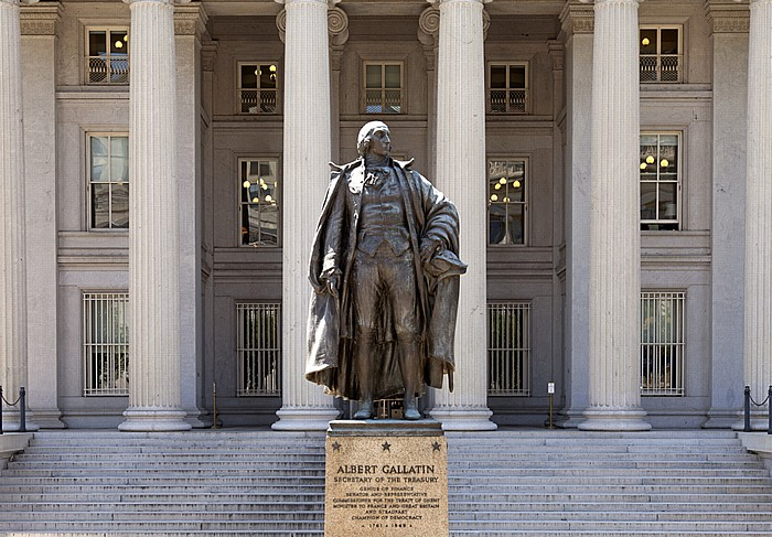 Pennsylvania Avenue: Treasury Building und Albert-Gallatin-Denkmal Washington, D.C.