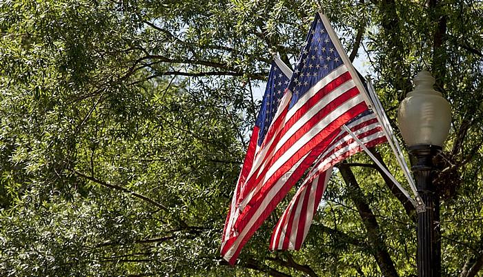 President's Park: Pennsylvania Avenue / East Executive Park - US-amerikanische Flaggen Washington, D.C.