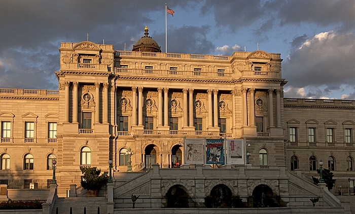 Washington, D.C. Capitol Hill: First Street - Thomas Jefferson Building (Library of Congress Building)