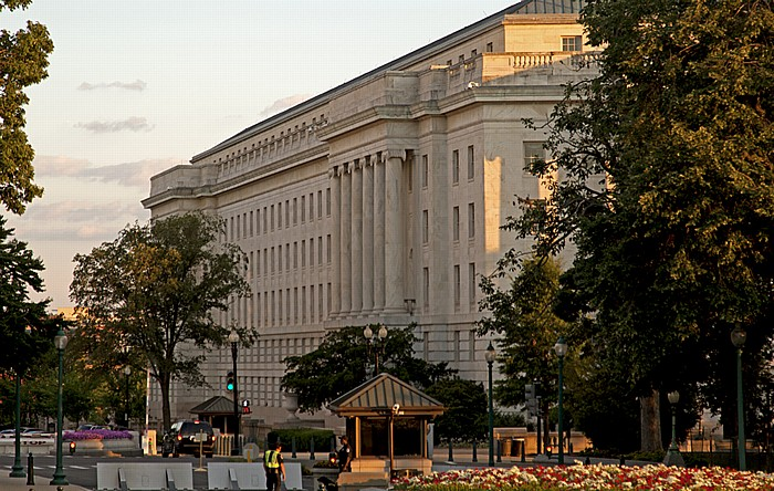 Washington, D.C. Capitol Hill: Independence Avenue / New Jersey Avenue - Longworth House Office Building