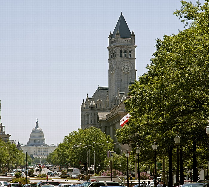 Washington, D.C. Pennsylvania Avenue: Penn Quarter (links) / Federal Triangle Capitol Hill Kapitol Old Post Office Pavilion