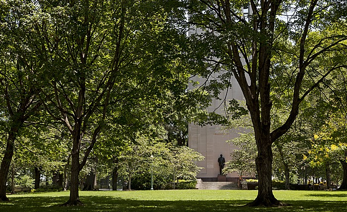 Washington, D.C. Capitol Hill: Upper Senate Park - Robert A. Taft Memorial