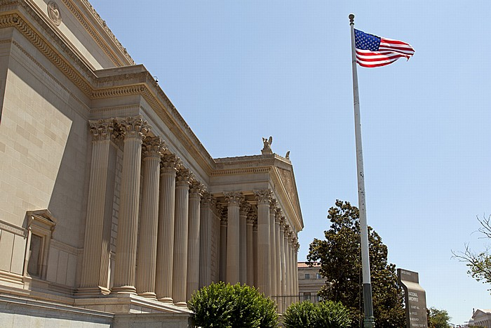 Washington, D.C. Federal Triangle: Constitution Avenue - National Archives Building