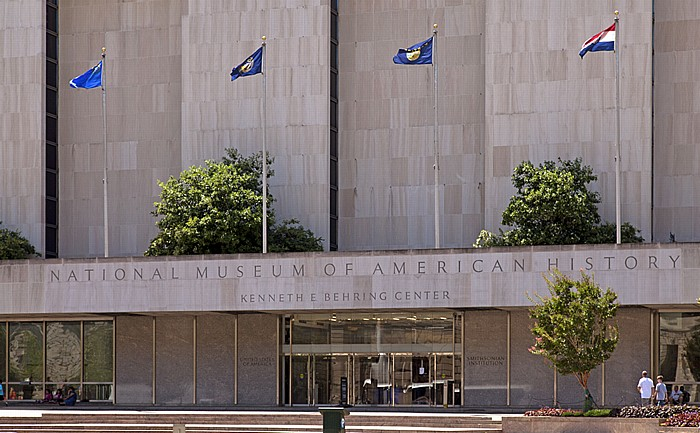 Washington, D.C. National Mall: National Museum of American History (Kenneth E. Behring Center)