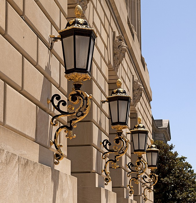 Washington, D.C. Federal Triangle: Constitution Avenue - United States Environmental Protection Agency