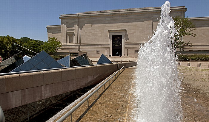 Washington, D.C. National Mall: National Gallery of Art (West Building)