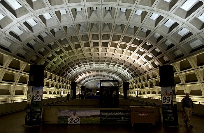 WMATA Station L'Enfant Plaza (Washington Metro) Washington, D.C.