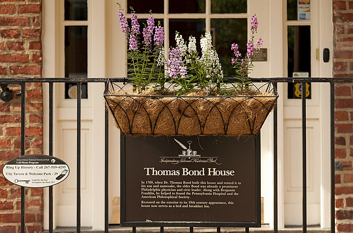 Philadelphia Old City: Thomas Bond House
