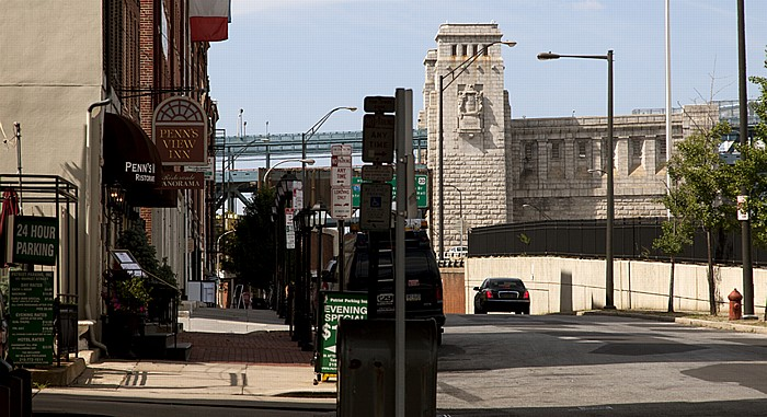 Philadelphia Old City: Front Street Benjamin Franklin Bridge