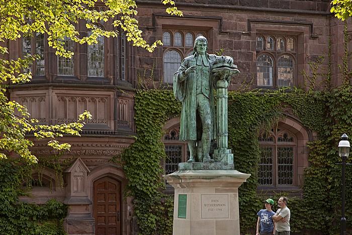 Princeton University: East Pyne - John-Witherspoon-Denkmal