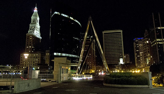 Blick von der Founders Bridge: Constitution Plaza (Downtown) Hartford