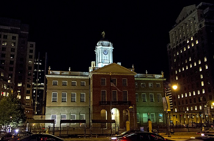 Downtown: Old State House Hartford