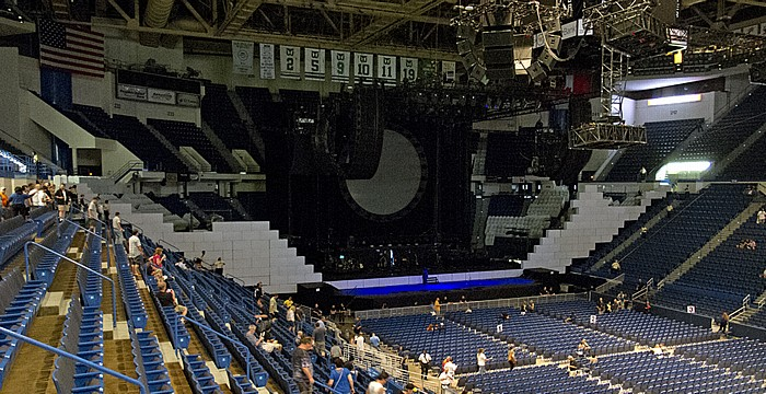Hartford XL Center: Roger Waters - The Wall Live (vor Konzertbeginn)