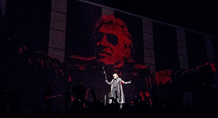 Hartford XL Center: Roger Waters - The Wall Live - In The Flesh