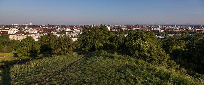 Blick vom Olympiaberg: Olympiapark München 2012