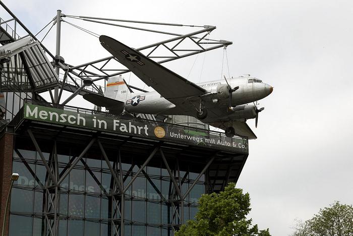 Kreuzberg: Deutsches Technikmuseum Berlin (DTMB) - Rosinenbomber auf dem Dach
