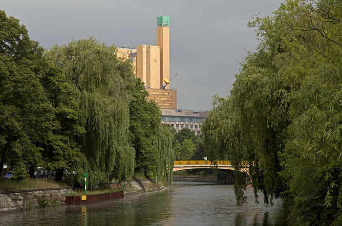 Berlin Kreuzberg (v.l.): Tempelhofer Ufer, Landwehrkanal, Hallesches Ufer Atrium Tower Schöneberger Brücke