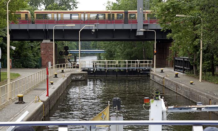 Berlin Tiergarten: Landwehrkanal mit Unterschleuse Berliner Stadtbahn