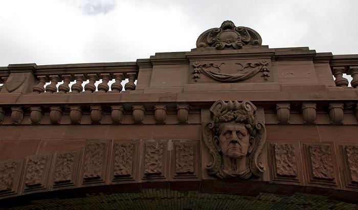 Moabit / Tiergarten (Regierungsviertel): Moltkebrücke über die Spree Berlin