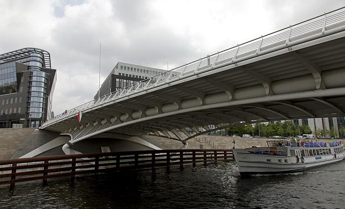 Berlin Mitte / Tiergarten (Regierungsviertel): Kronprinzenbrücke über die Spree