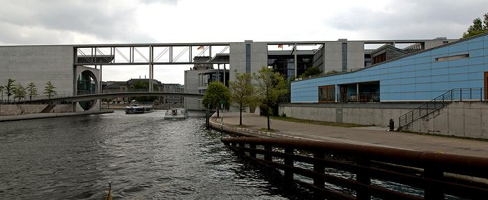 Berlin Mitte / Tiergarten (Regierungsviertel): Spree Betriebskindertagesstätte des Bundestages Marie-Elisabeth-Lüders-Haus Mierscheid-Steg Paul-Löbe-Haus