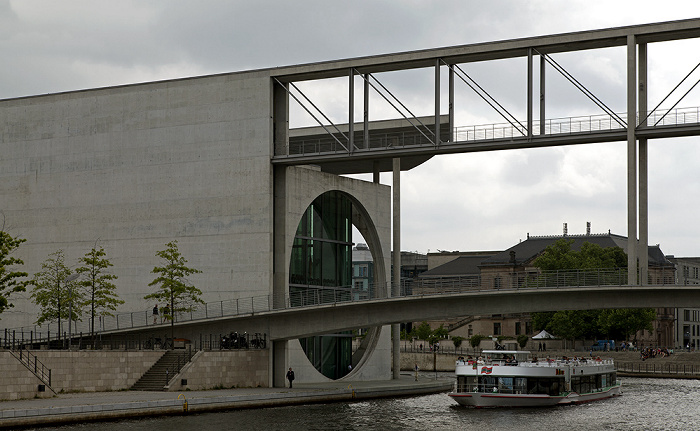 Berlin Mitte (Regierungsviertel): Spree, Mierscheid-Steg, Marie-Elisabeth-Lüders-Haus