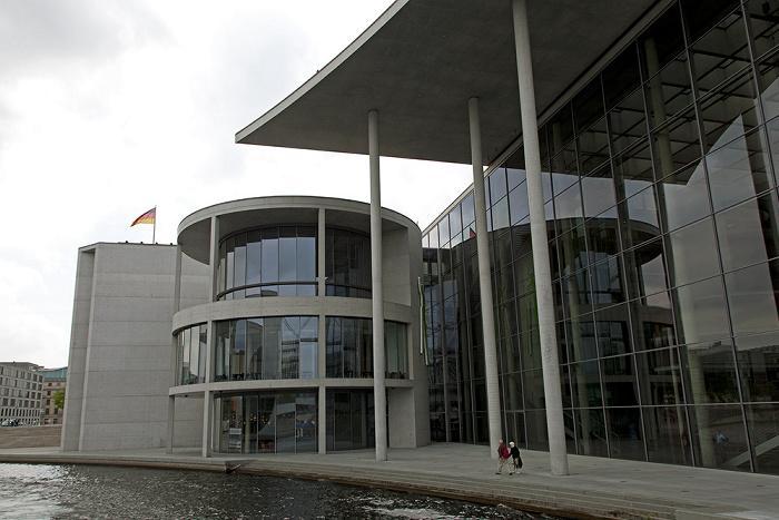 Berlin Mitte (Regierungsviertel): Spree, Marie-Elisabeth-Lüders-Haus
