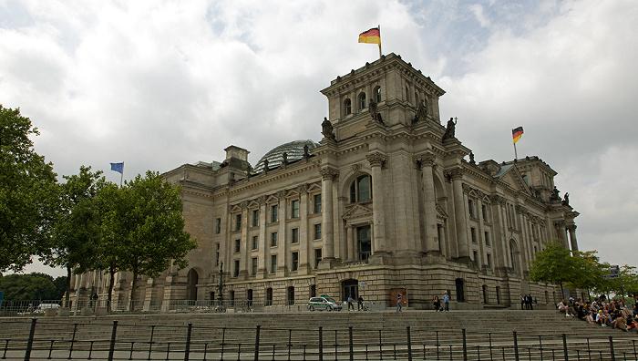 Berlin Tiergarten (Regierungsviertel): Friedrich-Ebert-Platz, Reichstagsgebäude