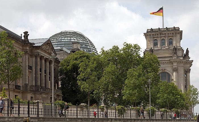 Mitte: Reichstagsgebäude Berlin 2012