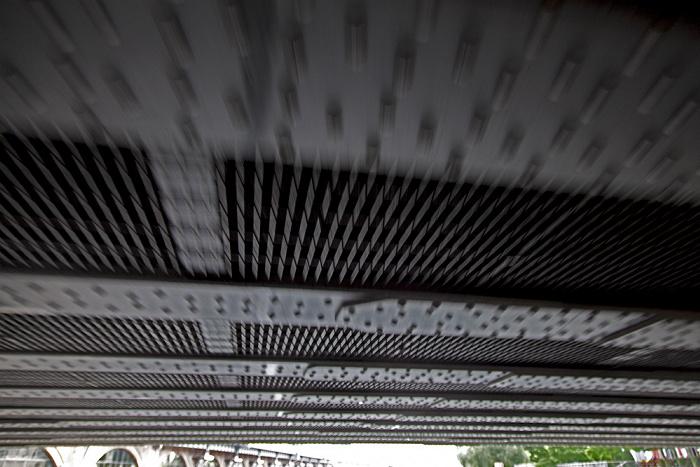 Berlin Mitte: Jannowitzbrücke über die Spree