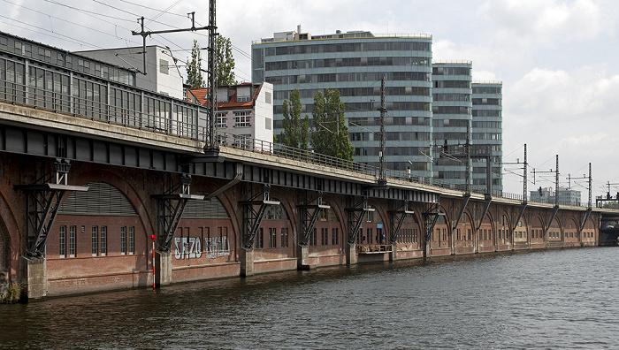 Mitte: Spree, S-Bahnhof Jannowitzbrücke, Berliner Stadtbahn Mediaspree Trias Towers