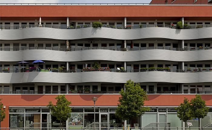 Friedrichshain: Mediaspree - Hotel ibis Berlin Ostbahnhof