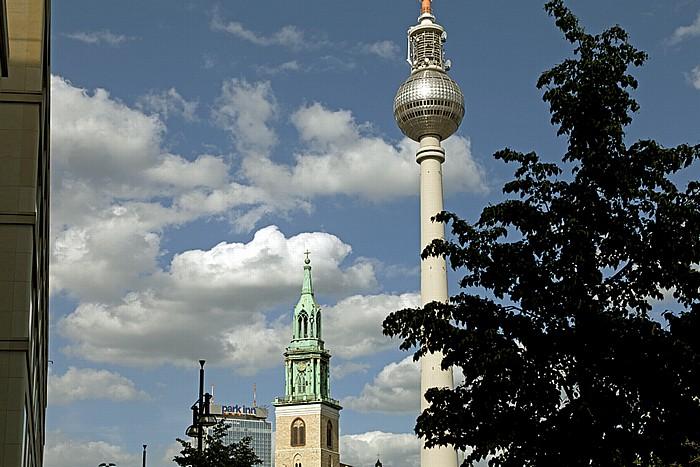Mitte: Marienkirche, Fernsehturm Berlin 2012