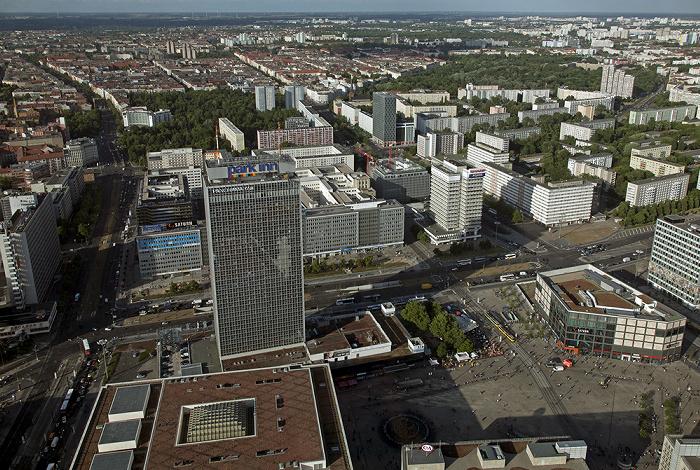 Blick vom Fernsehturm: Mitte - Alexanderplatz Berlin 2012