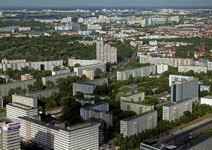 Blick vom Fernsehturm: Friedrichshain Berlin 2012