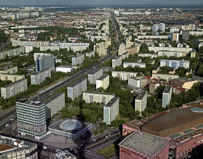 Blick vom Fernsehturm: Mitte / Friedrichshain - Karl-Marx-Allee Berlin 2012