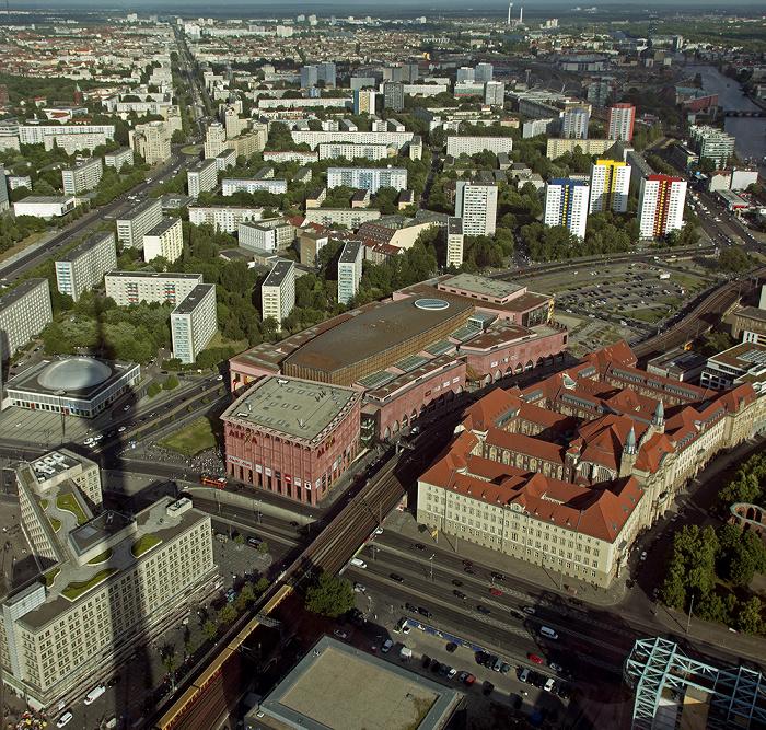 Blick vom Fernsehturm: Mitte - Einkaufszentrum Alexa und Amtsgericht Mitte Berlin
