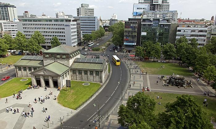Blick aus dem Kaufhaus des Westens (KaDeWe): Wittenbergplatz / Kleiststraße Berlin 2012
