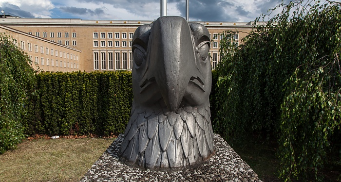 Flughafen Tempelhof: Eagle Square Berlin 2012