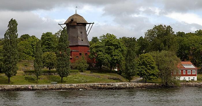 Fähre Stockholm - Vaxholm: Djurgarden - Prinz Eugens Waldemarsudde: Windmühle