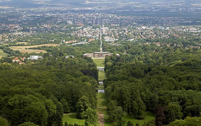 Kassel Bergpark Wilhelmshöhe: Blick vom Herkules Schloss Wilhelmshöhe Wilhelmshöher Allee