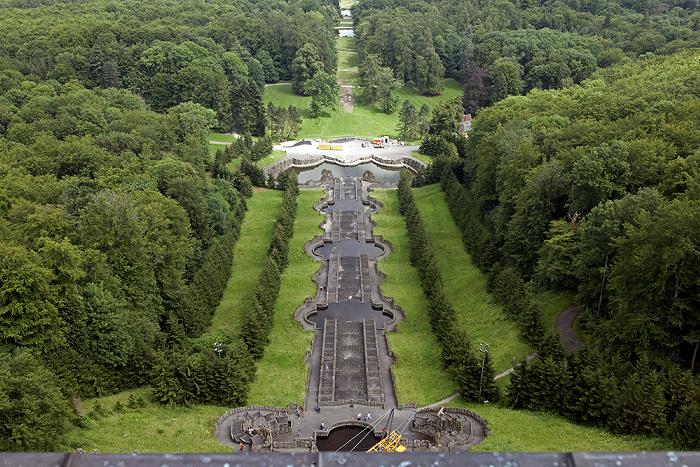 Kassel Bergpark Wilhelmshöhe: Blick vom Herkules - Kaskaden und Neptunbecken