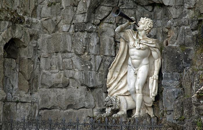 Kassel Bergpark Wilhelmshöhe: Unteres Wassertheater mit mythologischer Figur