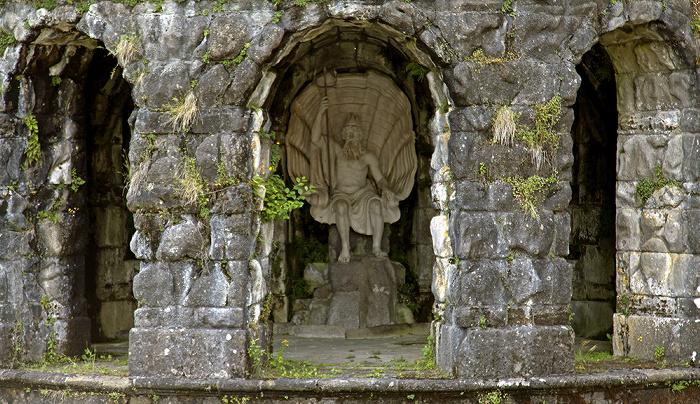 Kassel Bergpark Wilhelmshöhe: Neptunbrunnen mit der Statue des Meeresgottes Neptun