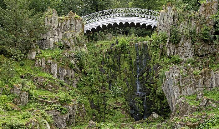 Kassel Bergpark Wilhelmshöhe: Teufelsbrücke und Steinhöfer Wasserfall