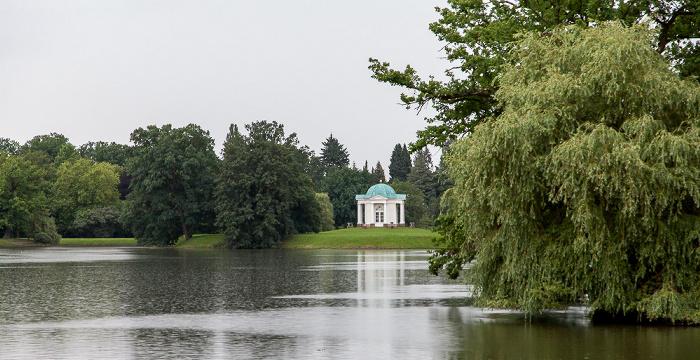 Kassel Karlsaue: Aueteich, Schwaneninsel mit Tempel