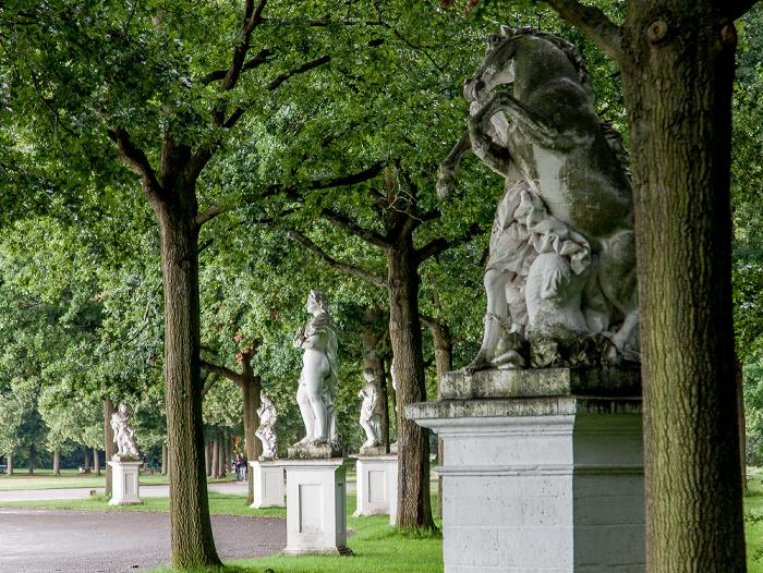 Kassel Karlsaue: Statuen an der Karlswiese