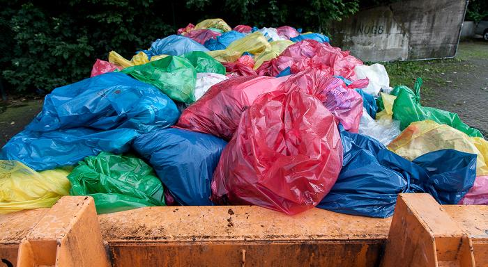 Kassel Hauptbahnhof: Müllcontainer