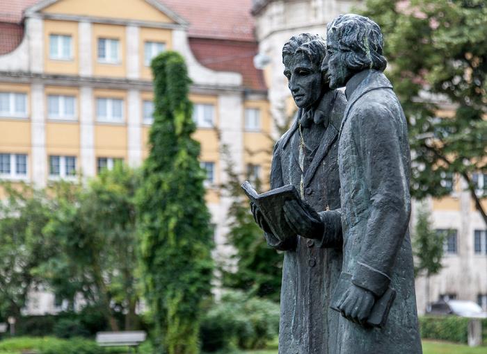 Kassel Brüder-Grimm-Platz: Brüder-Grimm-Denkmal