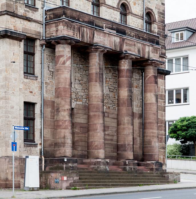 Kassel Wilhelmshöher Allee: Hessisches Landesmuseum (Teil des südlichen Torwachengebäudes)
